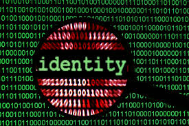 Facebook, il furto d'identità è reato. Un account su tre falso: il caso Ellie