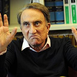 Emilio Fede accusato di diffamazione per foto hot e ricatti a vertici Mediaset