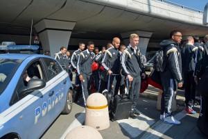 Roma-Feyenoord, cariche polizia a Campo de Fiori contro olandesi ubriachi