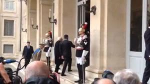Sergio Mattarella lascia Montecitorio sulle note Inno Nazionale