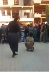 """VIDEO YouTube. Isis punisce ragazzino con 60 frustate: """"Ha offeso il Califfato"""""""