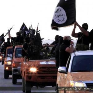 """Isis minaccia Europa: """"Sui barconi infiltreremo terroristi"""""""