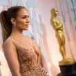 Oscar 2015, Jennifer Lopez incanta tutti: abito con scollatura di Elie Saab02
