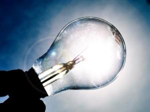 Energia, famiglie investono su lampadine a risparmio
