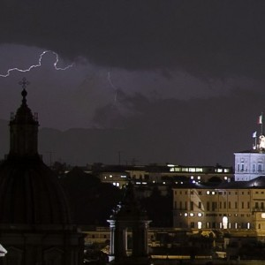 Maltempo a Roma (foto Ansa)