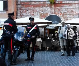 Carabinieri nel centro di Roma