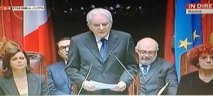 """Sergio Mattarella giura da presidente della Repubblica: """"Grazie a Napolitano"""""""