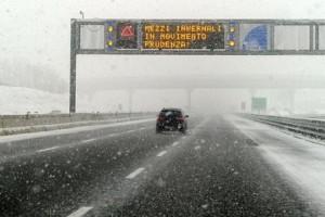 Maltempo e neve, traffico torna regolare su tratto appenninico A1