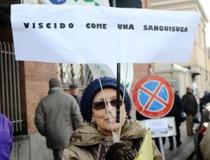 No Tav, 2 bottiglie incendiarie sulla linea Roma-Firenze