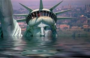 New York rischia di scomparire sotto l'acqua: il mare si alza 3 cm l'anno