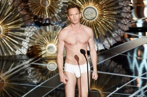VIDEO YouTube Oscar 2015, Neil Patrick Harris in mutande alla cerimonia