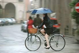 Maltempo, lunedì forti piogge su Lazio e Toscana. Poi meteo migliora