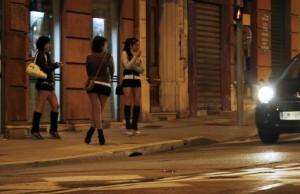 Tornano in strada le schiave adolescenti strappate al racket: 29 su 30