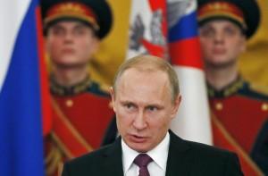 """Ucraina, Putin: """"Kiev taglia il gas ai separatisti, puzza di genocidio"""""""