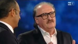 VIDEO YouTube - Pino Donaggio premiato con una targa da Carlo Conti a Sanremo