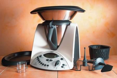 Compra bimby online su prezzo 640 euro ma le - Bimby da cucina ...
