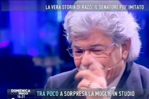 Antonio Razzi piange in studio da Barbara D'Urso
