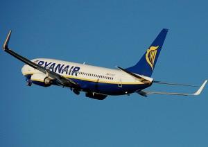 Palermo-Treviso, volo Ryanair colpito da fulmine e dirottato a Bergamo