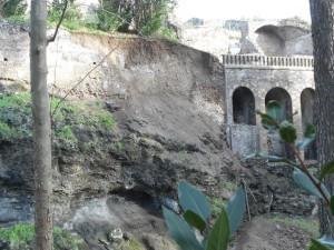 Pompei, smottamento negli scavi dopo le forti piogge
