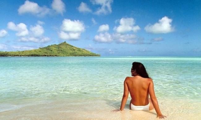 """Photoshop compie 25 anni: ecco """"Jennifer in paradise"""", la prima FOTO ritoccata"""