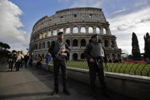 Isis minaccia Roma, soldati a guardia di Colosseo, Pantheon e altri monumenti