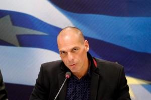 """Grecia, Varoufakis: """"Austerità negativa per tutta Europa"""""""
