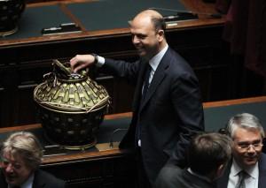 """Mattarella presidente, Alfano su malumori Ncd: """"Non tratterrò nessuno"""""""
