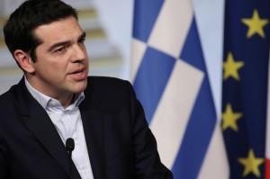 """Libero: """"Tutti pazzi di Tsipras che vuol tenersi i soldi degli italiani"""""""