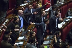 VIDEO YouTube scazzottata alla Camera: Pd e Sel, rissa sulle riforme