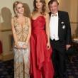 Elisabetta Canalis resta a seno nudo durante ballo a Vienna 03