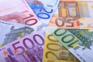 """Bergamo, banca nega prestito: """"Ha 76 anni, ormai deve morire"""""""