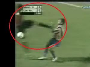VIDEO YouTube - Nicolas Spolli e l'entrata assassina quando giocava in Argentina