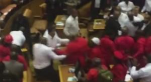 Sud Africa, rissa tra commessi e parlamentari