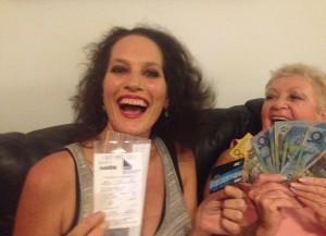 """Banca le accredita 7mln di euro, Sue Lamb non li vuole: """"Potrebbero rapirmi"""""""