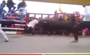 """Spagna, americano incornato durante """"encierro"""" di Carnevale, è grave"""
