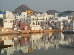India, italiano di 50 anni trovato morto in un lago nel Rajasthan