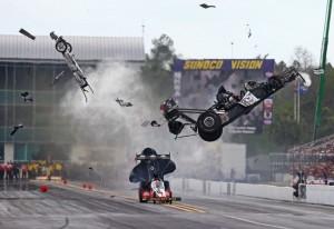 VIDEO YouTube - Larry Dixon, incidente a 480 km all'ora: illeso