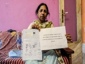 """Cairate, sindaco nega cittadinanza a donna indiana: """"Non sa l'italiano"""""""