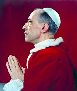 """Pio XII, gli ebrei, i nazisti.Titolare """"Sfumature di..."""", che cattivo gusto!"""
