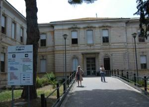 Roma: cadaveri nei corridoi dell'obitorio, chiuso l'istituto  di medicina legale della Sapienza
