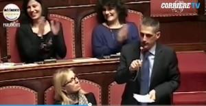 """Alberto Airola (M5s) su divorzio breve: """"Stiamo a farci pippe su crisi coppia"""" VIDEO"""