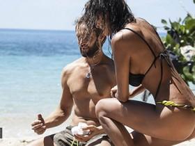 """Isola dei Famosi, moglie Alex Belli a Cristina Buccino: """"Di lui mi fido, di te no"""""""