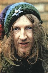 Daevid Allen è morto a 77 anni: fu il genio dei Soft Machine e dei Gong VIDEO
