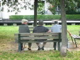 Savona, madre e figlia approcciano anziano al parco e si fanno dare 40mila euro