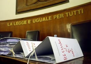 Posti pubblici solo a italiani o comunitari? Tribunale dice no: bandi da rifare
