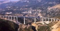 """Salerno-Reggio  stop per crollo  L'autostrada  """"non è sicura"""""""