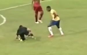 Brasile, colpisce arbitro con mossa da wrestling: ora rischia squalifica