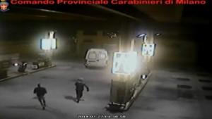Milano, si portavano via colonnine self service VIDEO: 6 rapinatori arrestati
