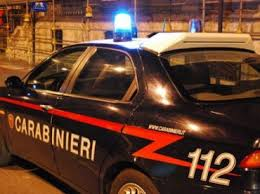 Napoli: tentata rapina e sparatoria in un supermercato Eté, 10 feriti