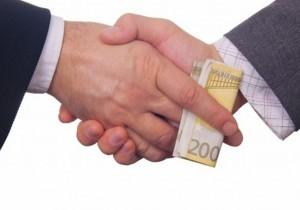 Corruzione al 90%, governi e poteri: così gli italiani vedono la cosa pubblica